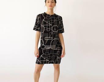 Geometric Print Dress, Urban Clothing, Mock Neck Dress, Casual Black Dress, Short Sleeve Shirt, T-Shirt Dress, Modern Clothing, Short Dress