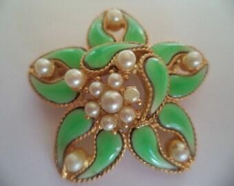 Vintage Unsigned Goldtone/Green Enamel Faux Pearl Flower Brooch/Pin   Very Pretty