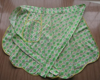 Vintage Grandma Apron Yellow Green w/ Pocket Cotton Half Apron Kitchen Decor