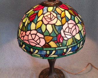 Stained Glass Lamp - Floral Motif - Dale Tiffany