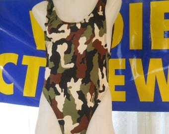 Camo printed suit , Now you can get lost safely and have fun
