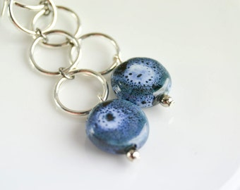 Drop earrings in ceramic - Earrings in clay - Round earrings - Earrings silver rings