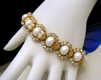 Crown Trifari Vintage Bracelet Rhinestones Pearlized Cabochons 1960s Gold Tone