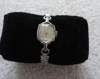 Vintage 19 Jewels Elgin Wind Up Ladies Watch