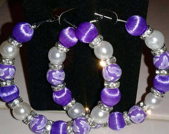 Purple and white floral print hoop earring