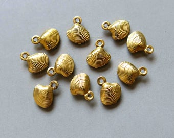 100pcs Raw Brass Shell Charms, Pendants,Findings 8mm x 7mm - F355