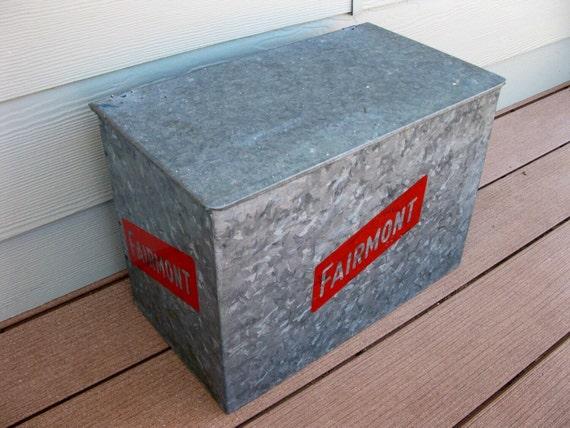 vintage milk box galvanized metal fairmont foods porch box. Black Bedroom Furniture Sets. Home Design Ideas