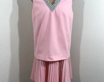 Vintage Eve Le Coq Size 12 Pink Sleeveless Pleated Shift Dress With Rhinestones