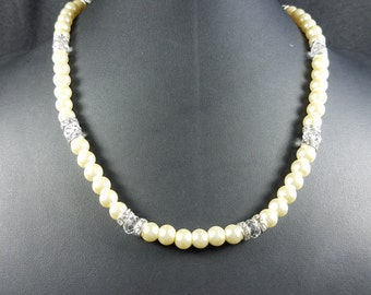 Pearl and Crystal Bead Necklace