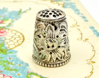 Vintage STERLING SEWING THIMBLE Rio Sterling Silver Floral Repousse Thimble Sz 7