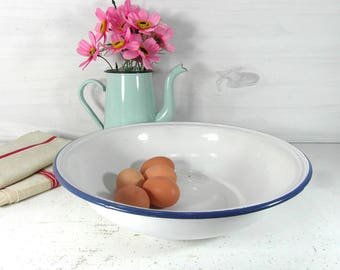 Large enamelware basin, white enamelware bowl, French vintage, French enamelware, white enamelware, French country decor, French chic