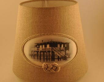 """Lampshade in linen and illustration of the Bassin d'Arcachon """"cabin tchanquee"""" / trademark between Cape and Dune"""