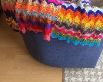 Multi-color knitted plaid (185 cm x 110 cm)