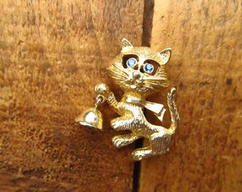 Vintage Cat Brooch - Cat Holding a Bell Pin - Avon Cat Brooch