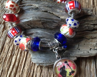 Veterans Day bracelet with fallen soldier and red poppies: Military bracelet, WWII bracelet, Remember the Fallen poppy, red poppy, Memorial