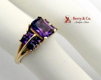 Vivid Violet Amethyst Ring 14 K Yellow Gold