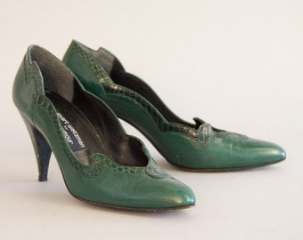 Green Leather 80s Pumps - Vintage Stuart Weitzman Dark Green High Heels Pointy Toe Spike Heel Leather Sole Size 9 1/2 Designer Shoes