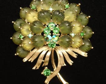 Art Flower Bouquet Pin Vintage Greens