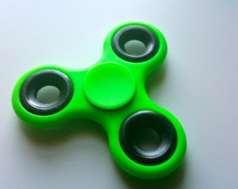 Spinners GREEN Tri Fidget Hybrid Hand Spinner Toy Fun Desk Toy Edc Kids or Adults Long Spins BUY 3 get 1 FREE