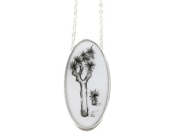 Joshua Tree Oval Necklace in Sterling Silver