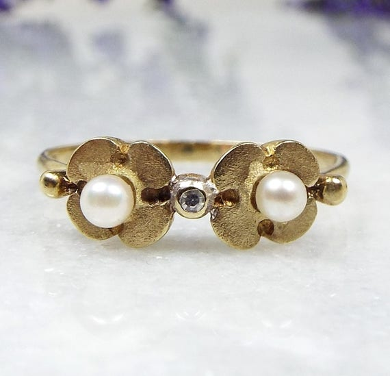 Vintage 1980 9ct Yellow Gold Pearl and Diamond Double Daisy Flower Ring Size O