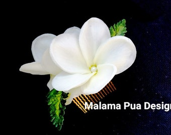 Bridal hair comb, Hair Accessory, Tropical hair flower, Headpiece, Plumeria, Hair piece, Fascinator, Custom hair clip, Beach,Hawaiian flower