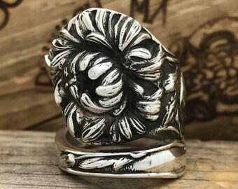 Size 7.5 Vintage Sterling Silver Chrysanthemum spoon ring