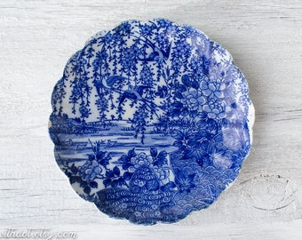 Vintage Blue and White Decorative Plate - Garden Plate - Chippy Plate