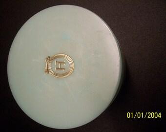 Houbigant Rare Authentic Vintage Quelque Fleurs Dusting Powder ** Unused