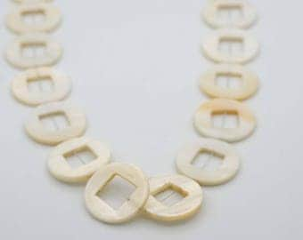 25mm Flat Round Shape Mother Of Pearl Shell bead, Hole (11x11mm)