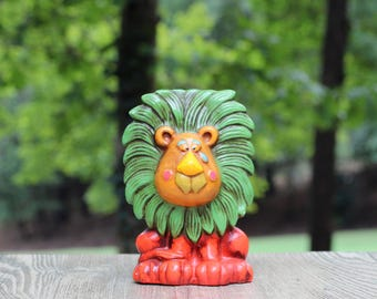 Vintage Papier-mâché Lion Piggy Bank / Lion Nursery / Lion Coin Bank / Retro Piggy Bank / Lion Nursery Decor / Retro Lion / Leo Gift