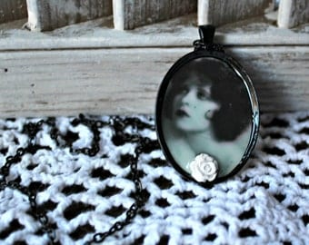 Clara Bow. necklace. Handmade. White rose. Black bezel. Black chain.