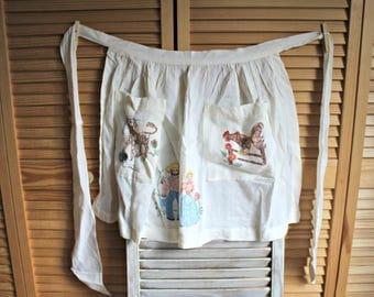 Vintage. apron. Farmer style. Chicken/farmers/cow. Very cute! 1960s. Two pockets.