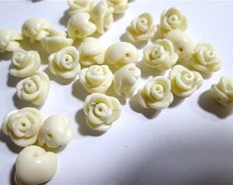 25 Vintage Acrylic Rose Beads