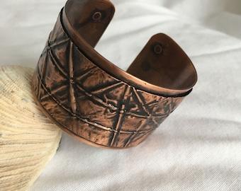 Antiqued Copper Form-folded Cuff Bracelet