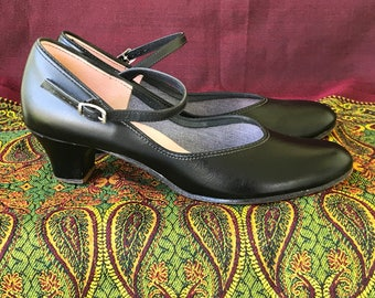 Vintage Mary Jane Dance Shoes/Character Shoes/Capezio/Size 8N/Jazz/Tap/1980s/Black Leather/Rounded Toes/Made in USA