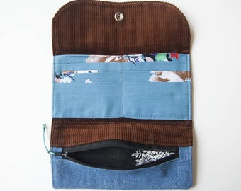 Mrs. Price Wallet, large, six cards, give space to your dollar bills, handmade with upcycled fabrics in L'Anse-St-Jean, Saguenay, Quebec