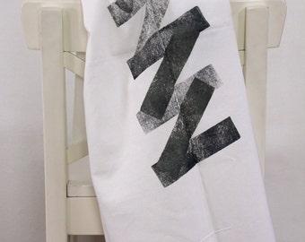 Black and green zig zag tea towel