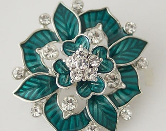 KB7086  HUGE (33mm) Stacked Green Enamel Flower Snap Accented with Clear Rhinestones