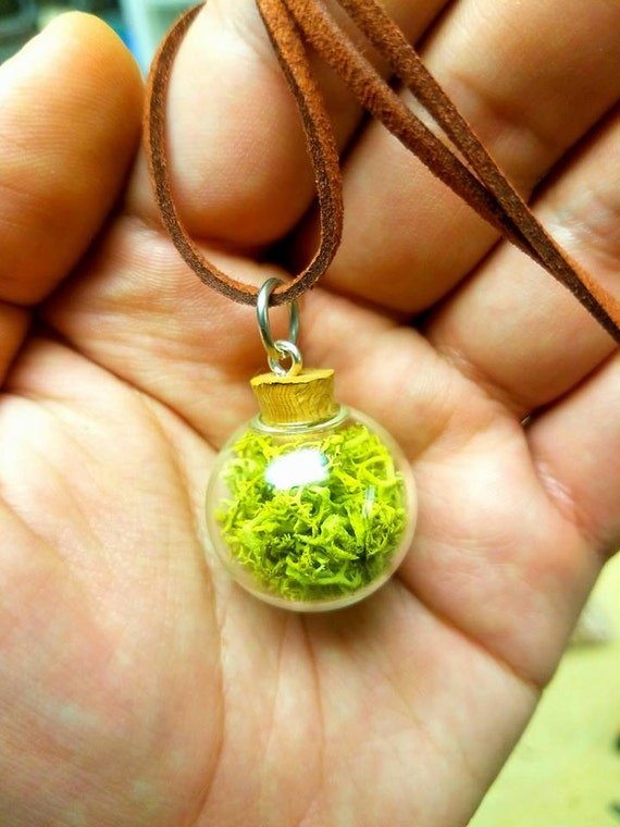 Glass moss necklace, woodland sphere pendant, Moss Jewelry, Moss Necklace, Handmade Necklace, Handmade Jewelry, Boho Necklace, Natural Moss
