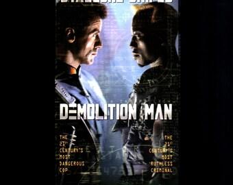 "DEMOLITION MAN - VHS 1993 ""R"" - Sylvester Stallone - Wesley Snipes - Sandra Bullock - Nigel Hawthorne - Marco Brambillo, Director"