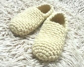 Crochet wool slippers, Womens slippers, Gift for her, House slippers, Natural wool, Slip socks, Womens shoes, Crochet shoes, Handmade shoes