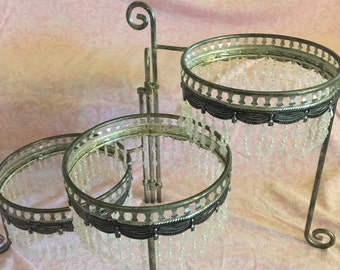 3 tier server silver beaded display server