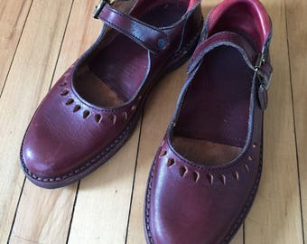 Womens The Last Footwear Company Leather Oxblood Red Mary Janes Dress Shoes! Size US 7.5