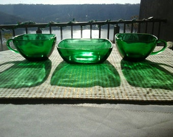 Vintage Anchor Hocking Forest Green Mid century Tea/demitaisse cups and berry/cereal bowl
