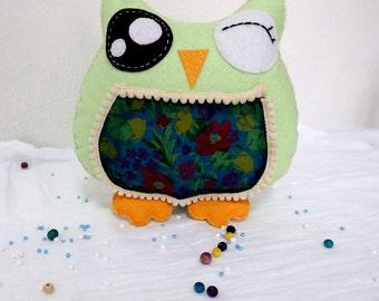 Owl pillow. Plush pillow flannel.