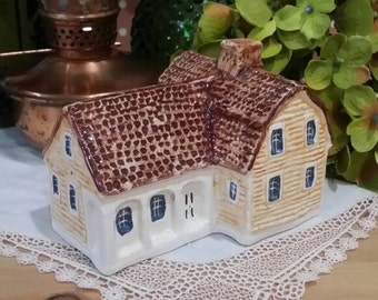 John Putnam Heritage Houses A17 Clapboard House with Porch Handpainted Ceramic Miniature House Made in England