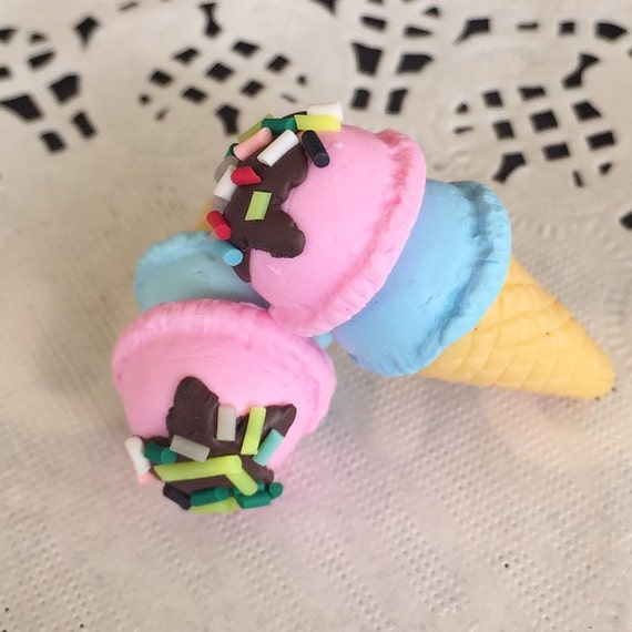 1pcs.15x31mm.Miniature Cabochon Icecream,Miniature Icecream,Cabochon,Polymer Clay,Miniature Sweet,Mobile Accessories,Icecream