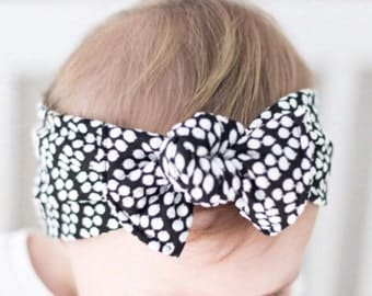 SALE: B&W dots - baby flat bow headband