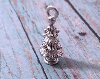Christmas tree charm 3D silver plated pewter (1 piece) - holiday charm, Christmas charm, silver Christmas tree pendant, tree charm, P14